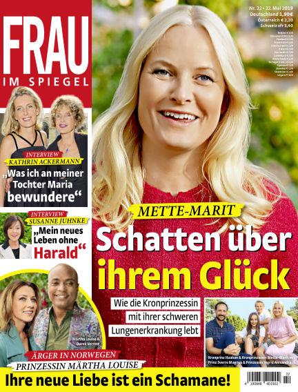 Frau im Spiegel May 22, 2019 00:00